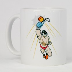 Bring a piece of your sport into your daily life with this beautiful mug featuring underwater hockey