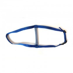 Strap for mask to offer a better resistance to impacts during underwater hockey practice.